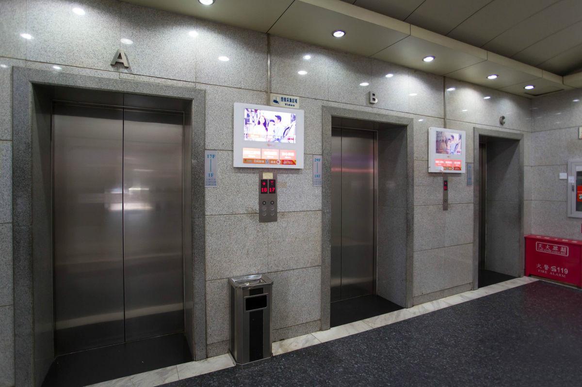 电梯间.jpg